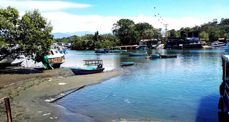 El Baqueano: El taxi-barco que lo lleva a la playa por 200 colones