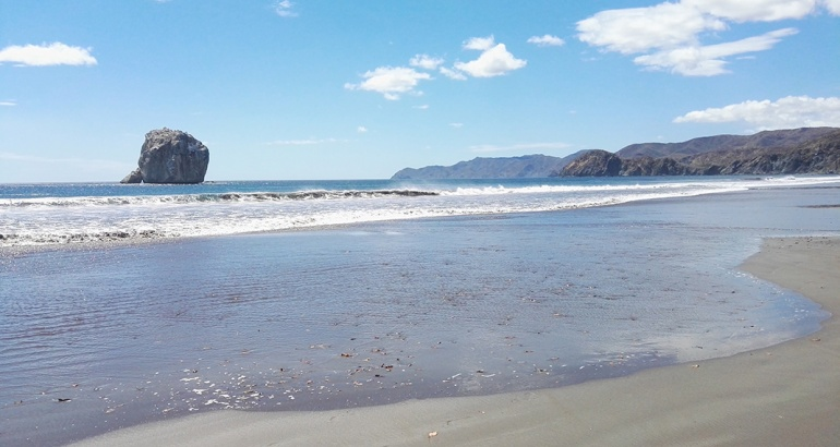 La verdadera belleza de playa 'Roca Bruja'